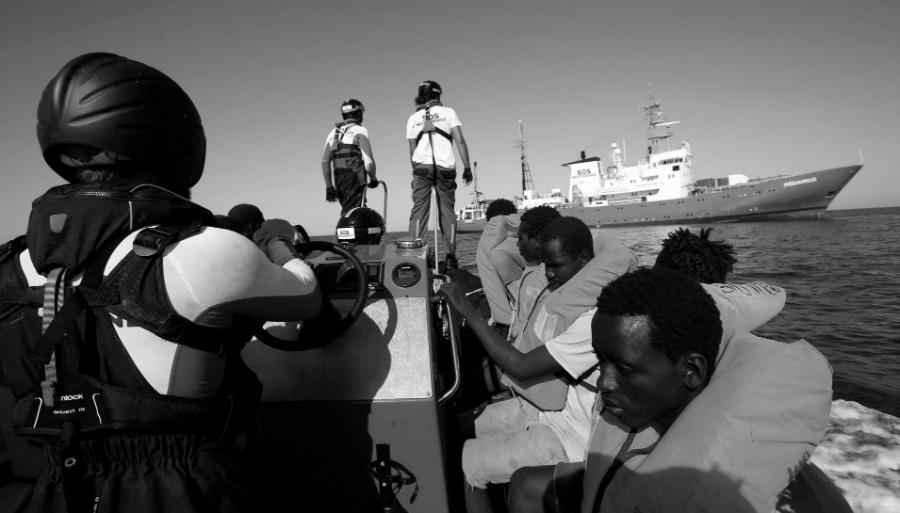 España-inmigrantes-africanos-la-tinta
