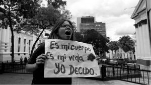 Mujeres venezolanas presentan propuesta para legalizar el aborto