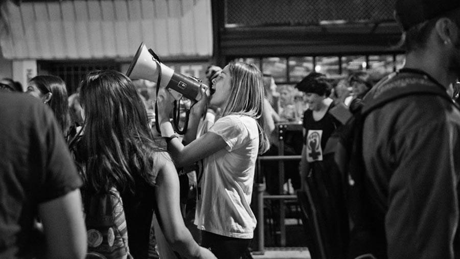 mas-sororidad-ni-una-menos-feminismo-mujeres-marcha-belle-ville-05