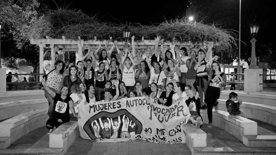 mas-sororidad-ni-una-menos-feminismo-mujeres-marcha-belle-ville-08