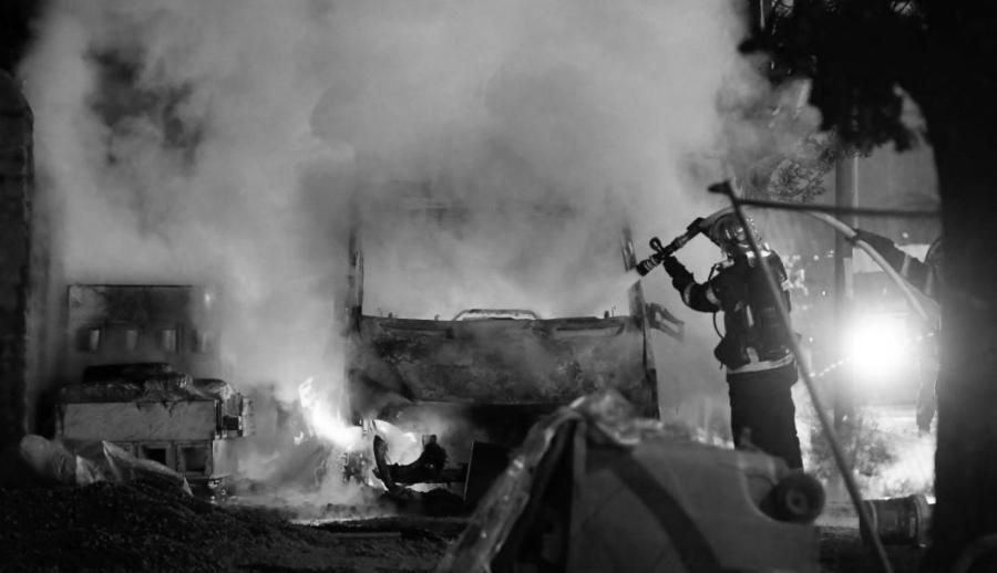 Francia-disturbios-incendio-la-tinta