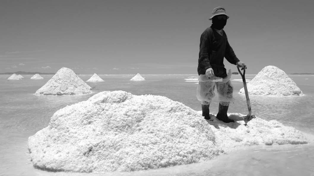 Litio-mineria-explotacion-trabajador-sal-01