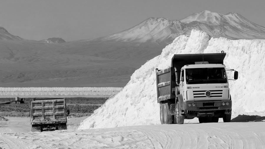 Litio-mineria-explotacion-trabajador-sal-04