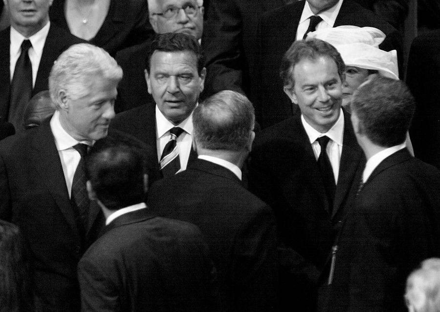 OTAN-Blair-Clinton-la-tinta