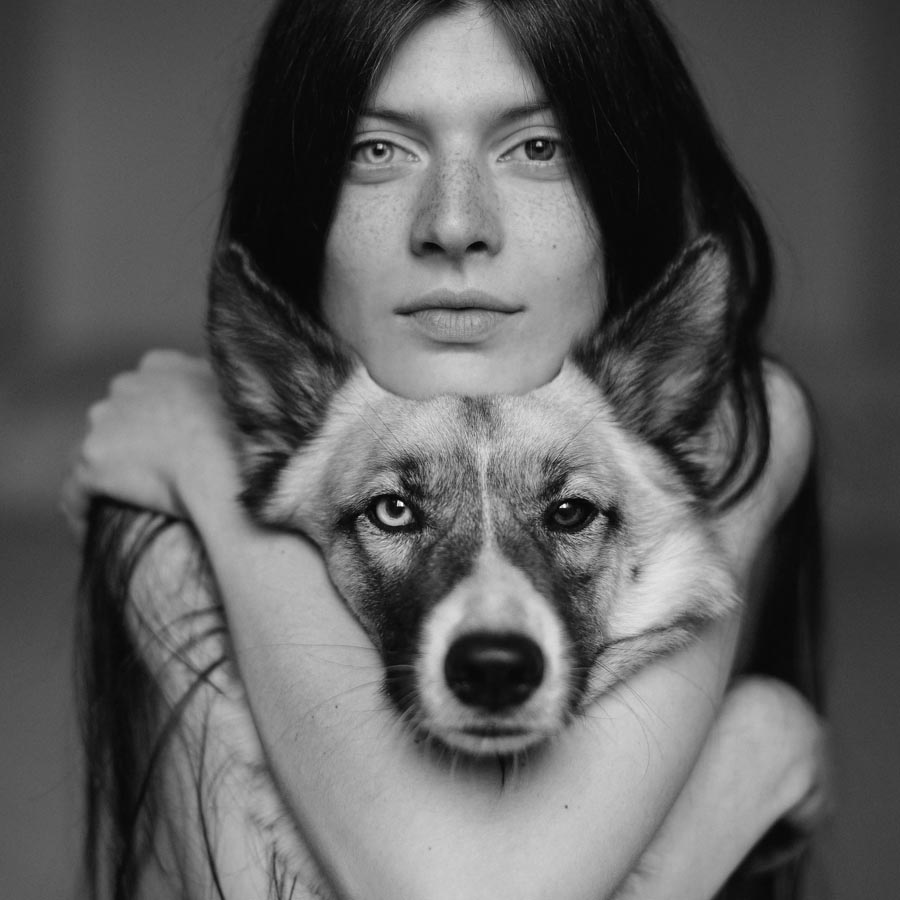 Sergei-Sarakhanov-perro-mujer-retrato