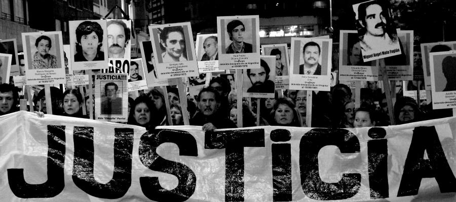 Chile detenidos desaparecidos marcha la-tinta