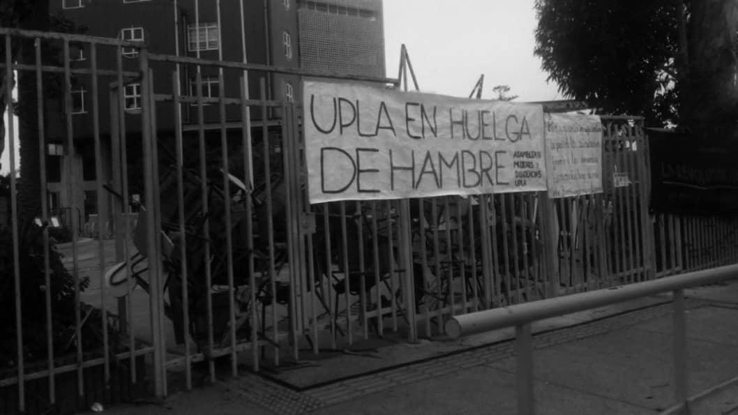 Chile-feministas-toma-universidad-mujeres-huelga-hambre