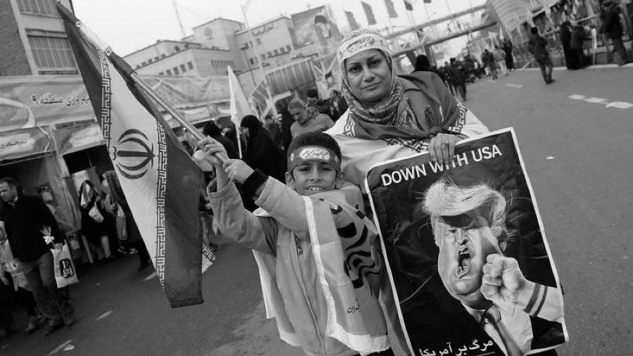 Iran manifestacion la-tinta