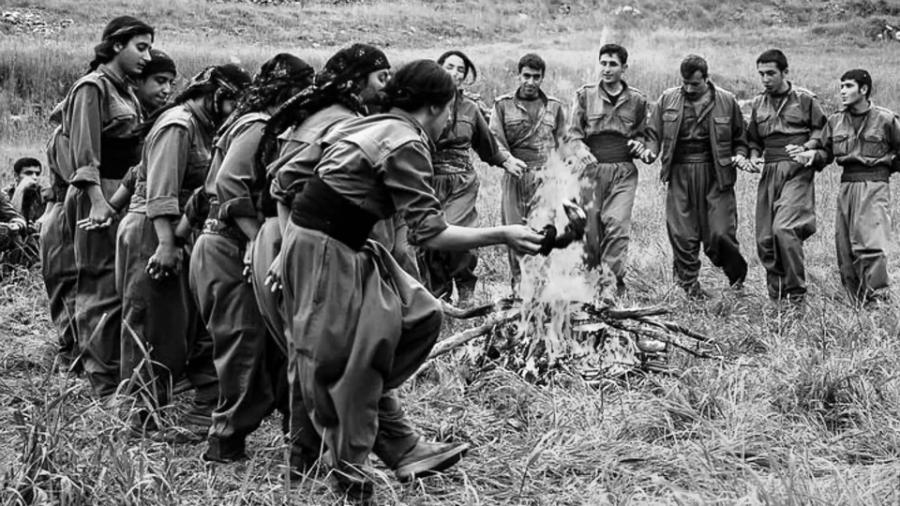 Kurdistas guerrilleros danza la-tinta