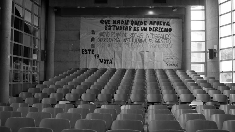 UNC-estudiantes-aula-universidad-educacion-colectivo-Manifiesto-01