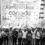Docentes latinoamericanos resisten la cruzada contra la fe en el conocimiento