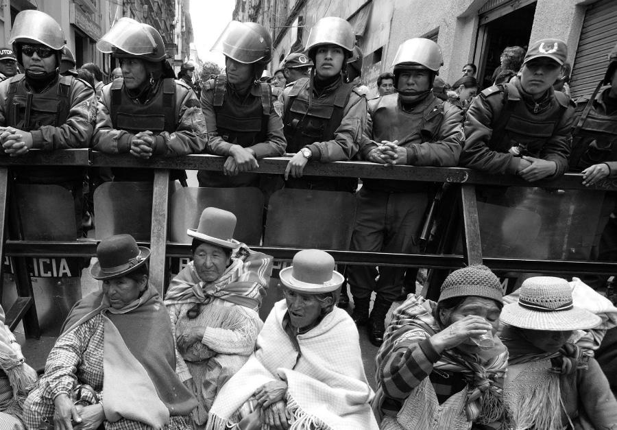 America Latina represion a indigenas la-tinta