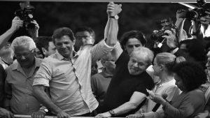 """Fernando Haddad: """"Lula es un parteaguas en la historia de Brasil"""""""