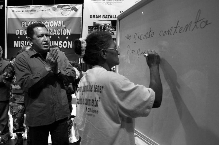 Venezuela Chavez Yo si puedo alfabetizacion la-tinta
