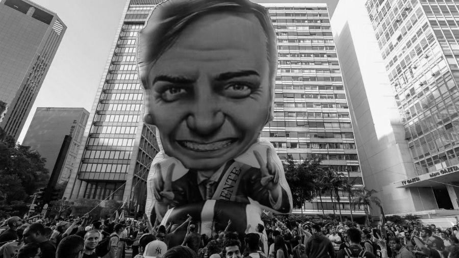 Brasil Bolsonario acto electoral la-tinta