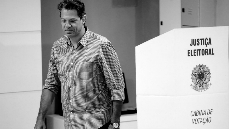 Brasil Fernando Haddad vota la-tinta