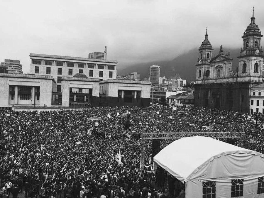 Colombia marcha educacion publica la-tinta