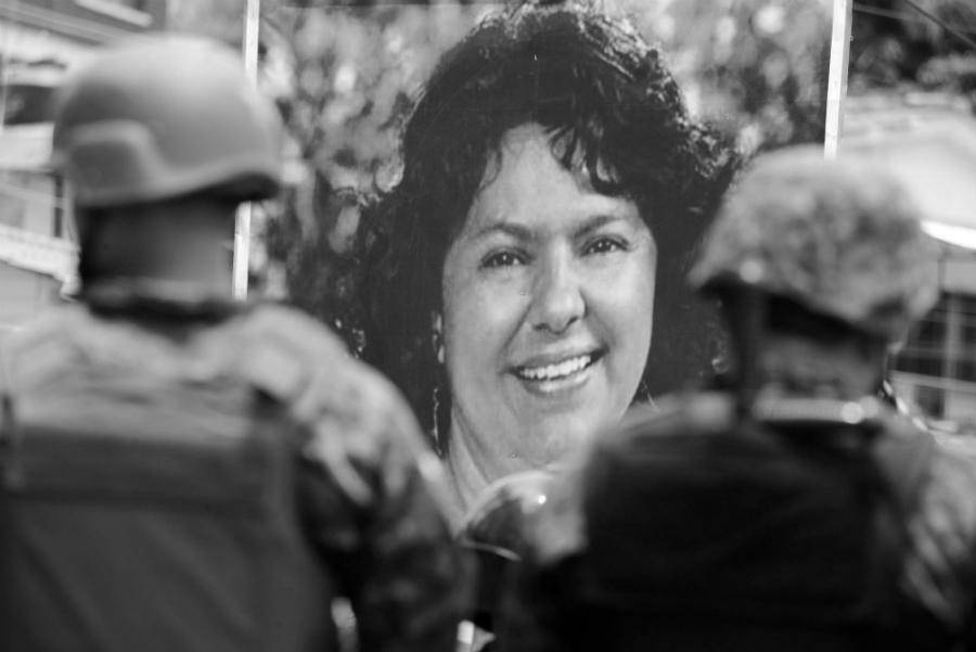 Honduras Berta Caceres militares la-tinta