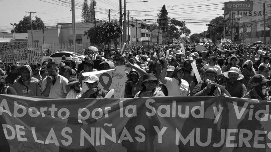 Jorge-Menjivar-aborto-El-Salvador