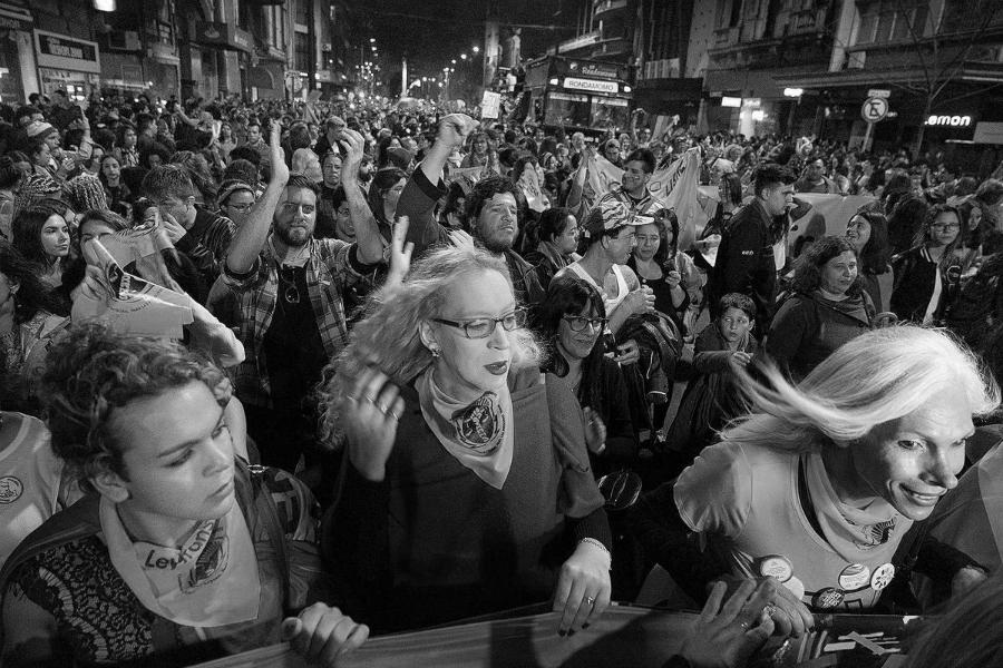 Uruguay marcha por ley trans la-tinta