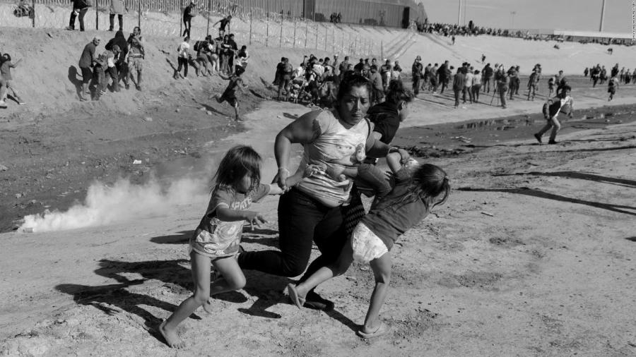 Caravana Migrante represion de EEUU la-tinta