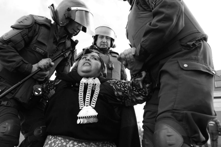 Chile militares reprimen a mapuches la-tinta