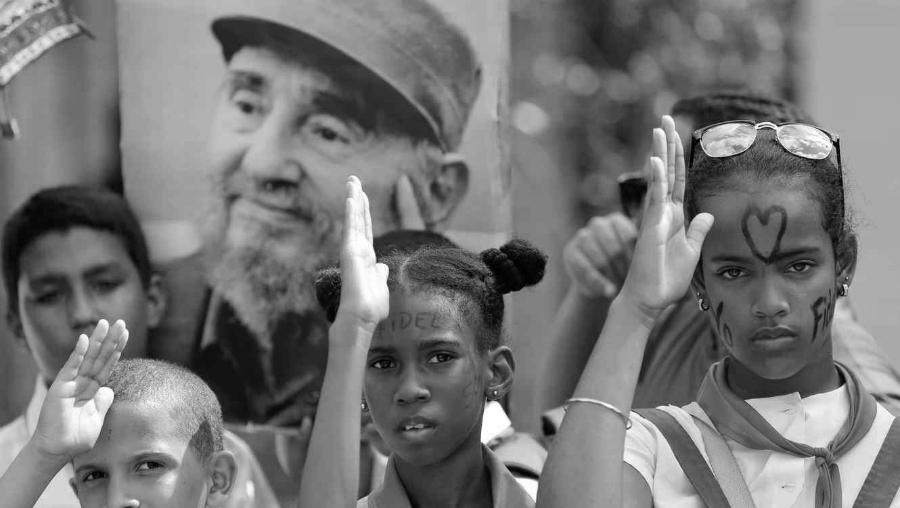 Cuba Fidel Castro niños cubanos la-tinta