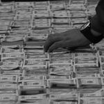 De enero a enero, la plata es del banquero