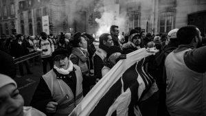 Miles de personas toman las calles de Francia en contra del ajuste