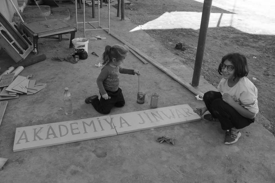 Rojava Jinwar niñas la-tinta