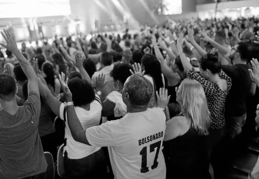 Brasil evangelicos con Bolsonaro la-tinta