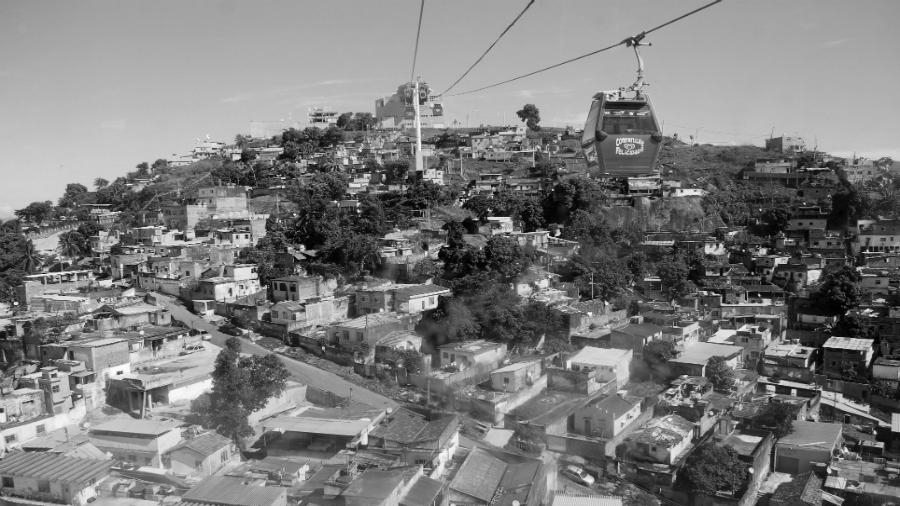 Brasil favela teleferico Alemao la-tinta