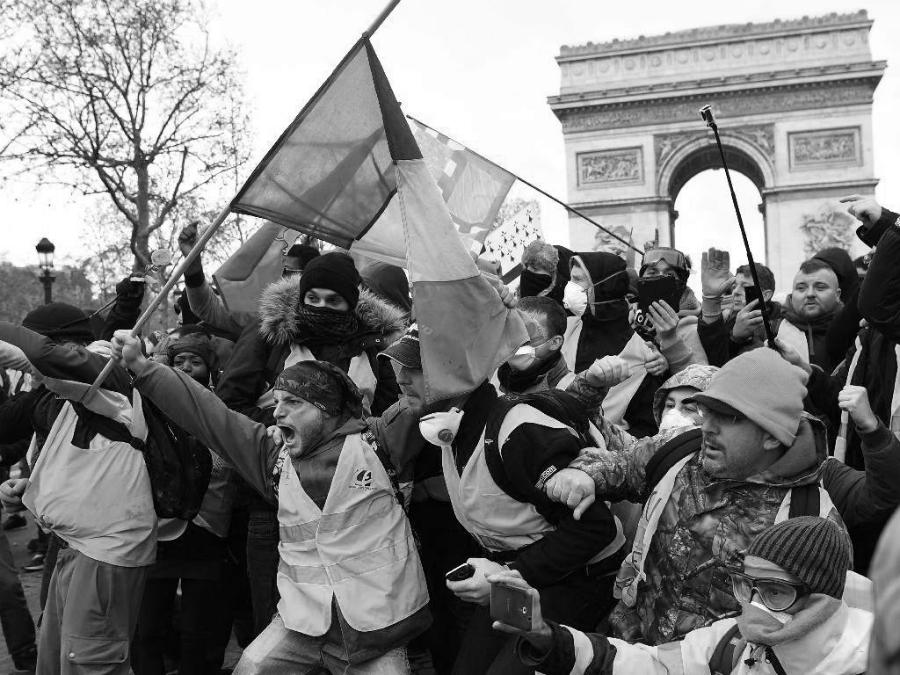 Francia Campos Eliseos protestas la-tinta