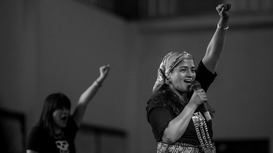 Ivana-Huenelaf-Emergentes-Mapuche-Mujer-ELLA