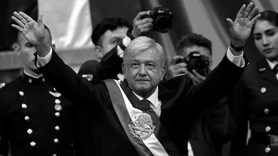 Mexico Lopez Obrador asume presidencia la-tinta