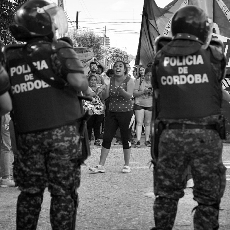 policia-mujer