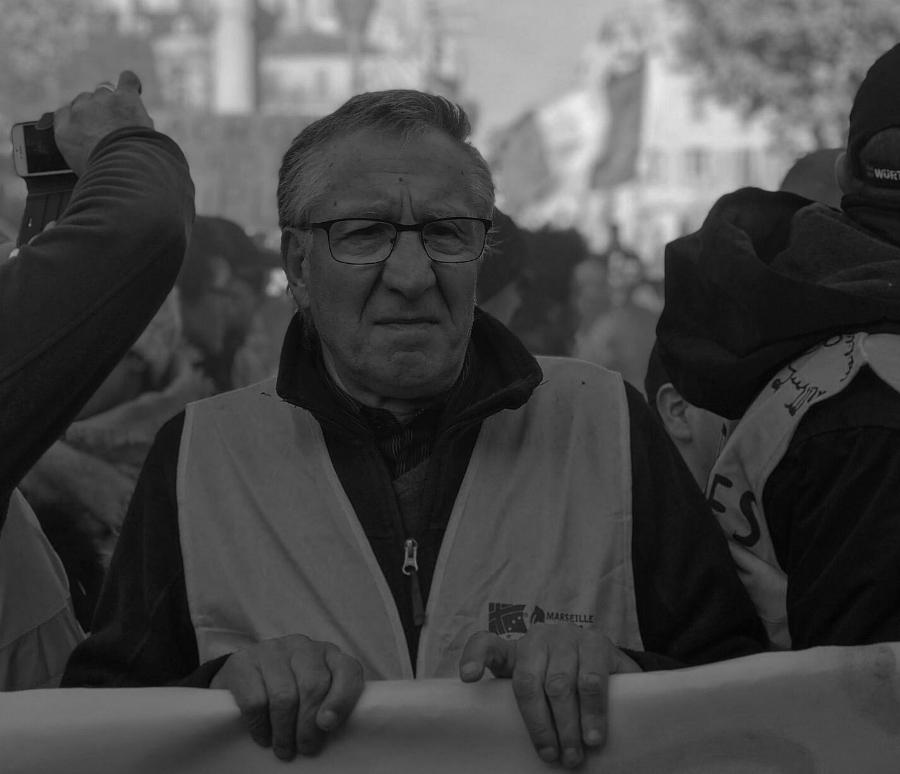 Francia chalecos amarillos manifestante la-tinta