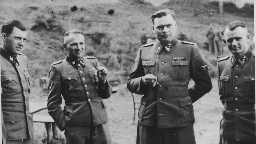 Karl-Hoecker-Auschwitz-nazis-SS-03