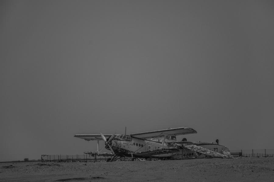 https://latinta.com.ar/wp-content/uploads/2019/02/Niger-avion-desierto-la-tinta.jpg