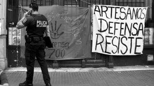 Represión y desalojo a artesanos de la feria de San Telmo