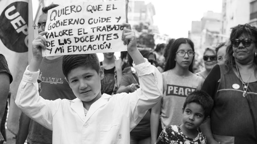 uepc-paritarias-macri-docebtes-educacion-colectivo-manifiesto-01