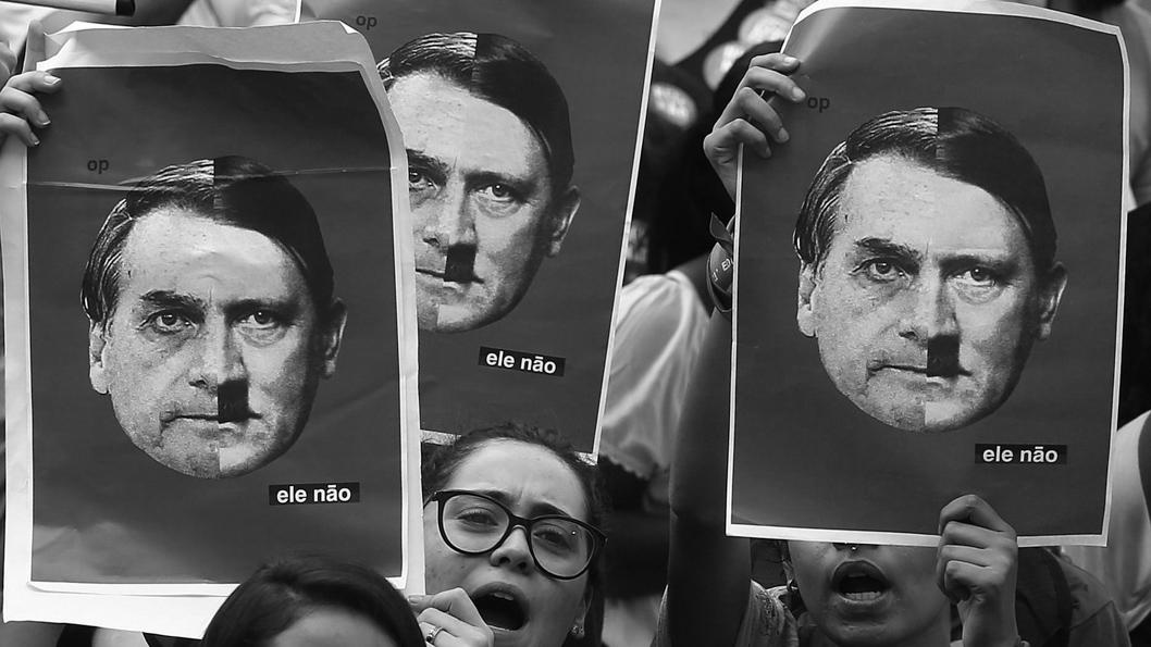 Manifestación contra el candidato ultraderechista a la presidencia de Brasil Jair Bolsonaro