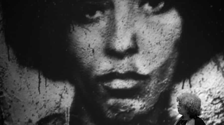 Angela-davis-feminismo-racismo-uruguay-negra-mujeres-02