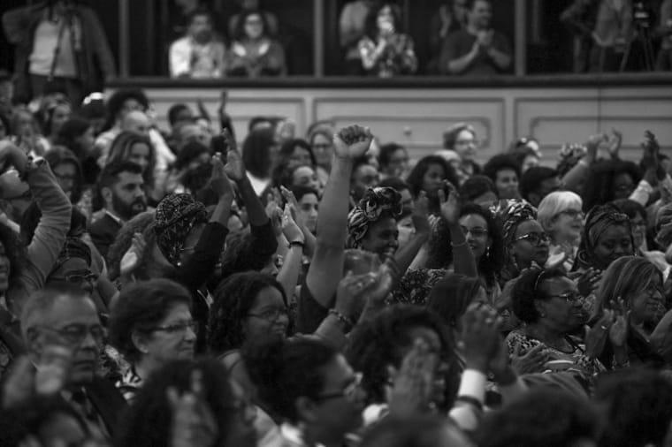 Angela-davis-feminismo-racismo-uruguay-negra-mujeres-03