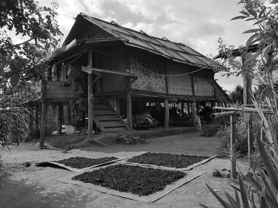 Myanmar pueblo casa la-tinta