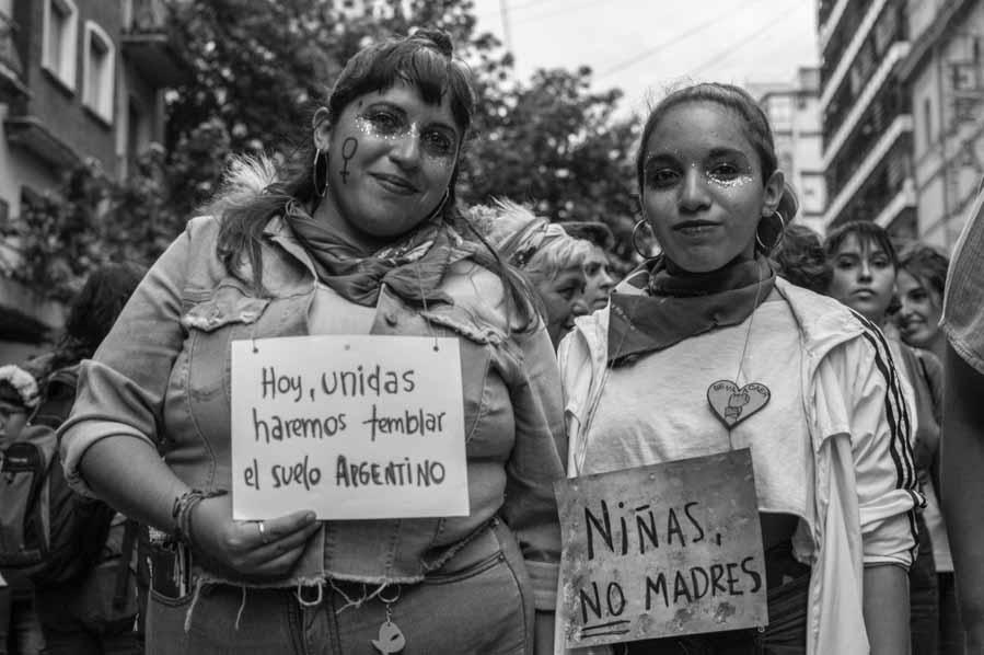 Nenas-madres-aborto-8M-paro-mujeres-feminismo-colectivo-manifiesto-01