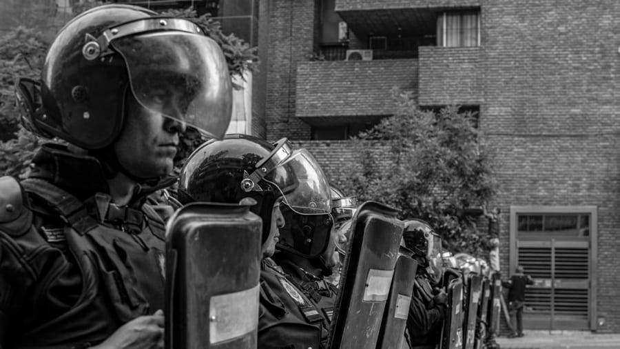 Policia-seguridad-vallado-violencia-institucional-CILE-Colectivo-Manifiesto-01