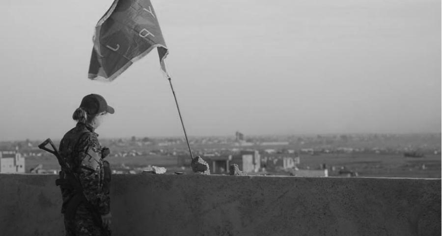 Siria YPJ derrota a ISIS la-tinta