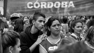 ¿Feliz día de lxs trabajadorxs? Ocho alertas de precariedad laboral en profesionales de Córdoba