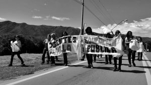 Caminando por la educación pública